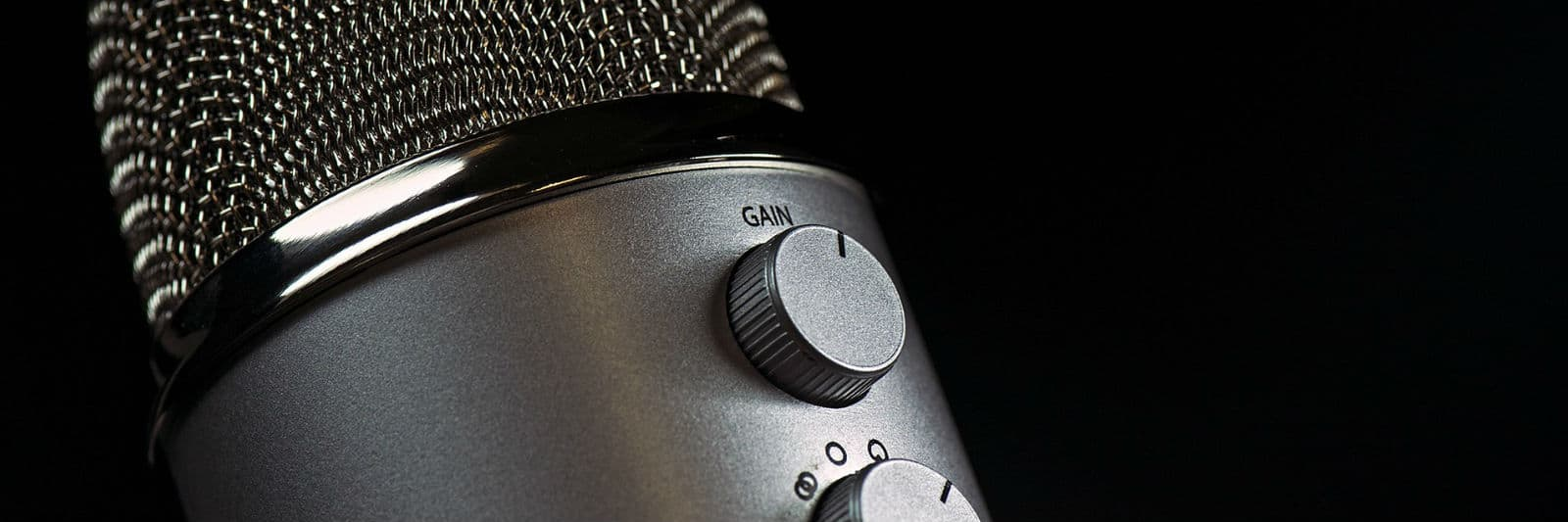 10 Best Lavalier Microphones (Mic) for DSLR Cameras